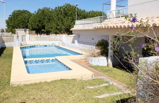 Alquiler turistico por semanas en playa oliva, Valencia. Con piscina para familias y parejas