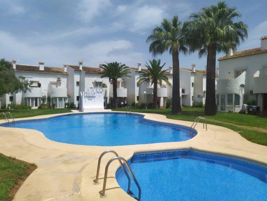 Alquiler vacacional con piscina en la Pedrera, playa de Denia (Alicante). Reservas online en airbnb